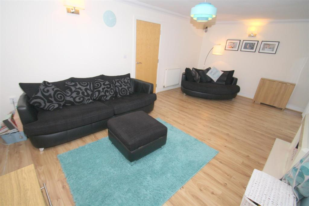 4 Bedrooms Terraced House for sale in Sutton Heights, Maidstone