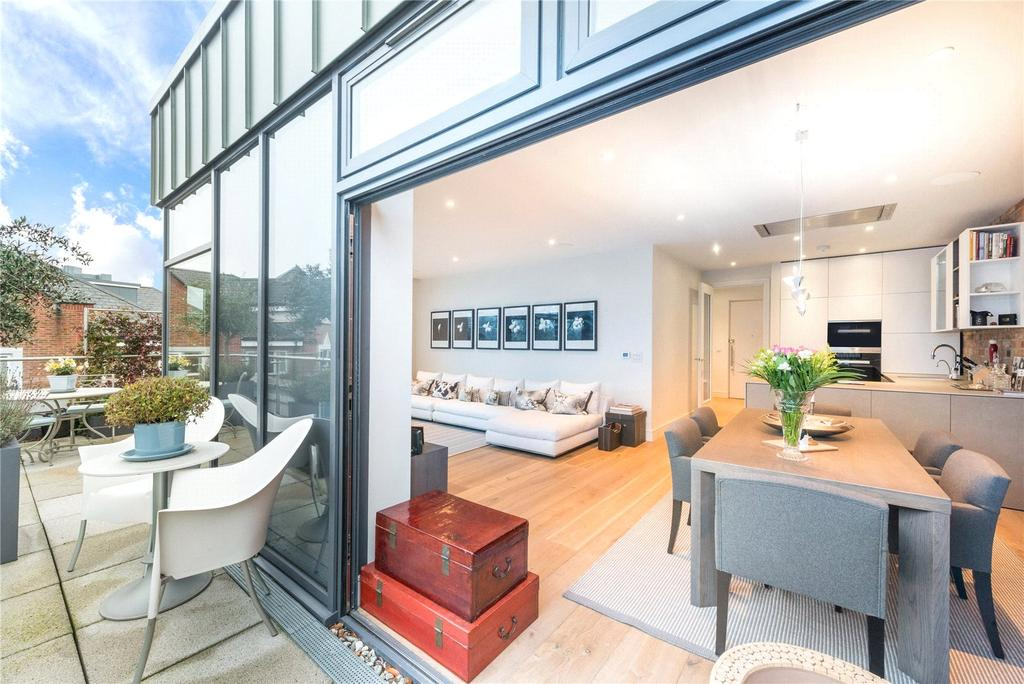 2 Bedrooms Flat for rent in The Market Building, 6 Market Place, Brentford, Middlesex