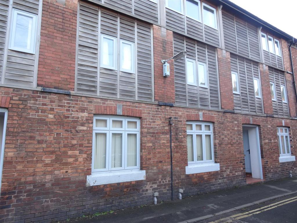 3 Bedrooms Town House for rent in Noble Street, Wem, Shrewsbury