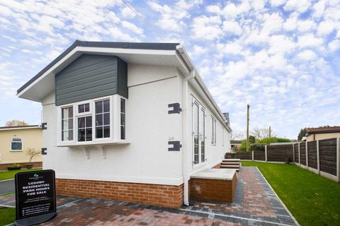 2 bedroom park home for sale - CHESTERS CROFT, Cheadle Hulme