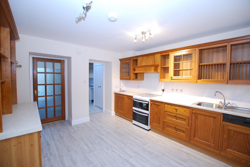 3 Bedrooms End Of Terrace House for rent in Denny Street, Inverness, IV2