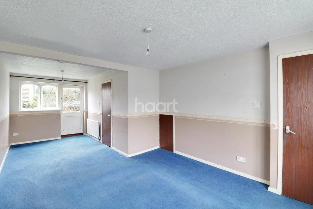 3 Bedrooms Semi Detached House for sale in Partridge Close, LU4