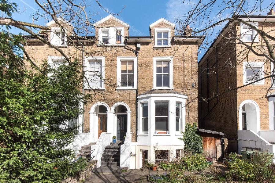 1 Bedroom Flat for sale in Queens Road, Twickenham, TW1