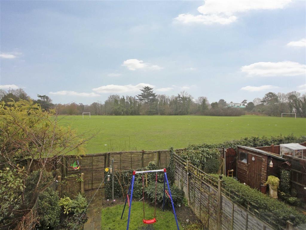 3 Bedrooms Terraced House for sale in Tonge Close, Beckenham, Kent