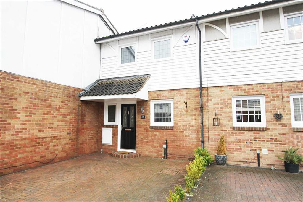 3 Bedrooms Terraced House for sale in Cockerell Close, Basildon