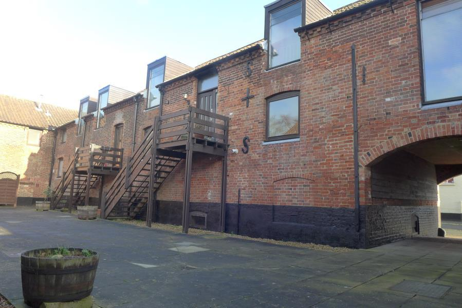 2 Bedrooms Maisonette Flat for rent in The Maltings, Beccles