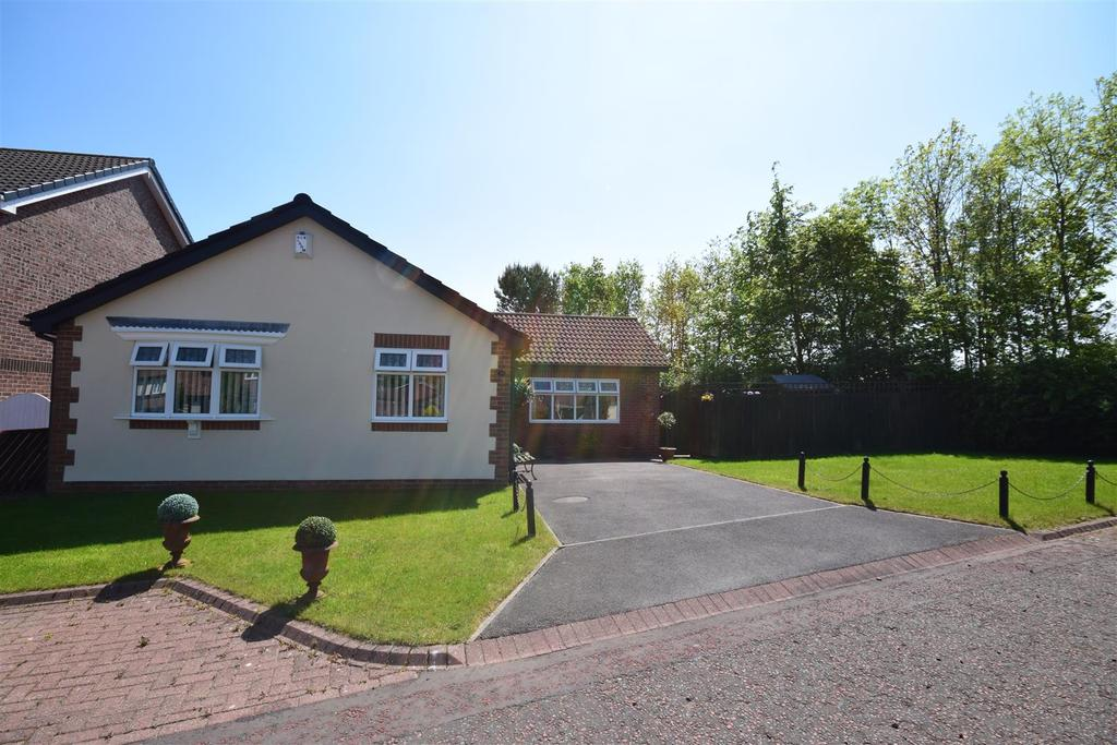 3 Bedrooms Detached Bungalow for sale in Craigwell Drive, Sunderland