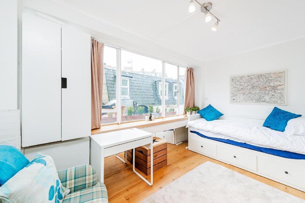 Studio Flat for sale in Craven Terrace, Bayswater