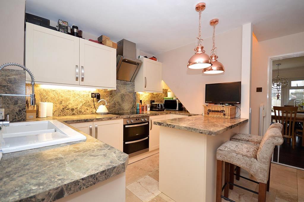 3 Bedrooms Terraced House for sale in Gloucester Avenue, Maldon, Essex, CM9