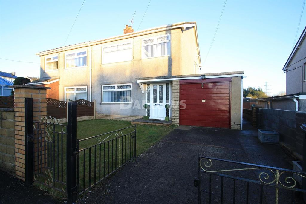 3 Bedrooms Semi Detached House for sale in Llangattwg Close, Beaufort, Ebbw Vale, Gwent