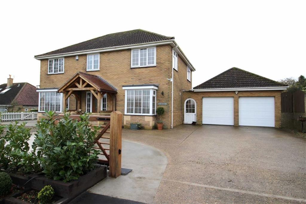 3 Bedrooms Detached House for sale in Front Street, Front St, Wold Newton, East Yorkshire
