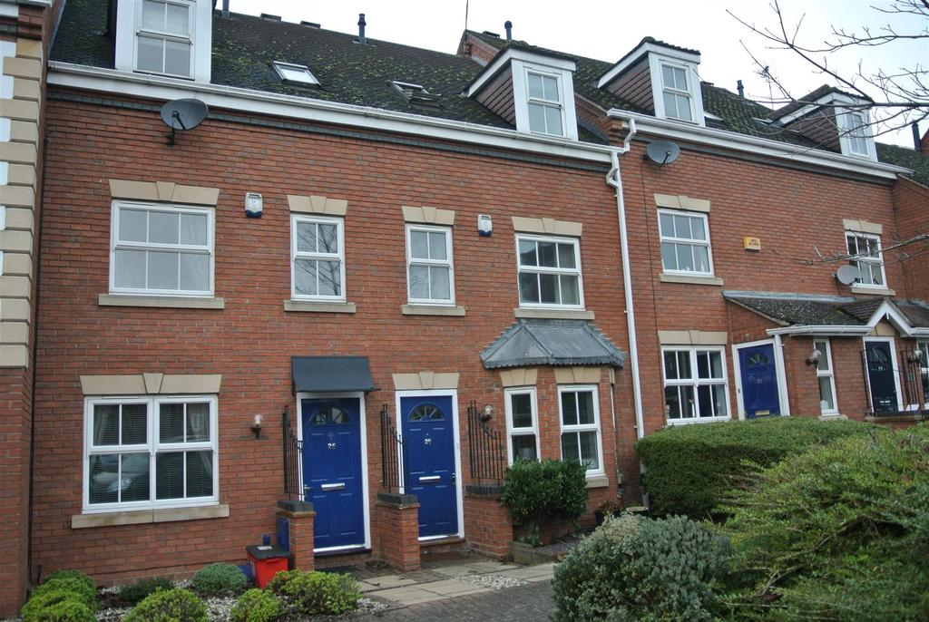 3 Bedrooms Town House for rent in Charter Approach, Warwick
