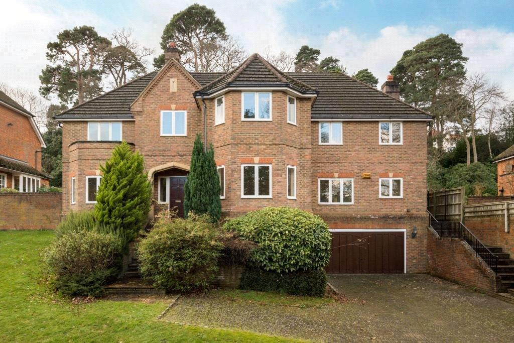 5 Bedrooms Detached House for sale in Chatsworth Place, Oxshott, Leatherhead, Surrey, KT22
