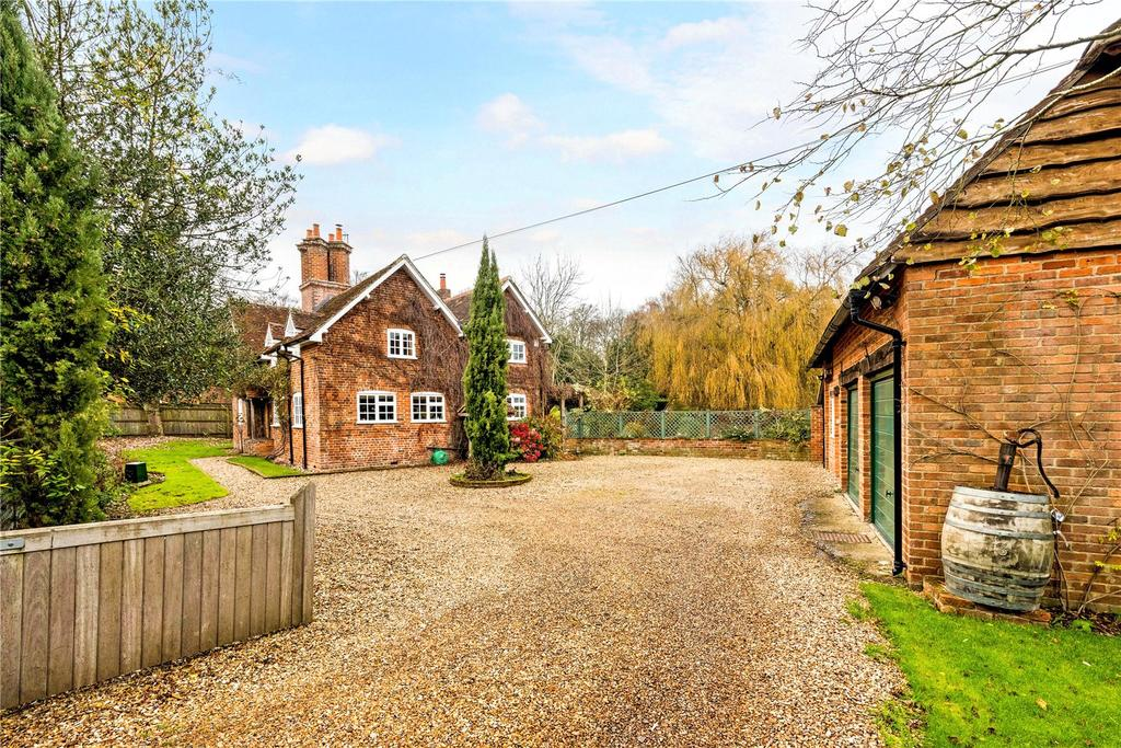 6 Bedrooms Unique Property for sale in Townsend, Wolverton, Tadley, Hampshire, RG26