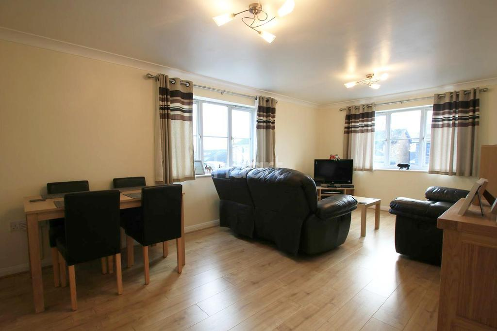 2 Bedrooms Flat for sale in Jeffreys court, Braintree