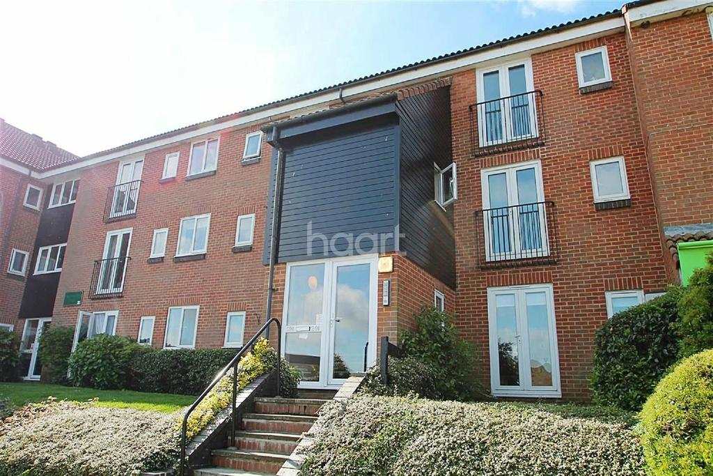 1 Bedroom Flat for sale in Mounbatten Court, Braintree