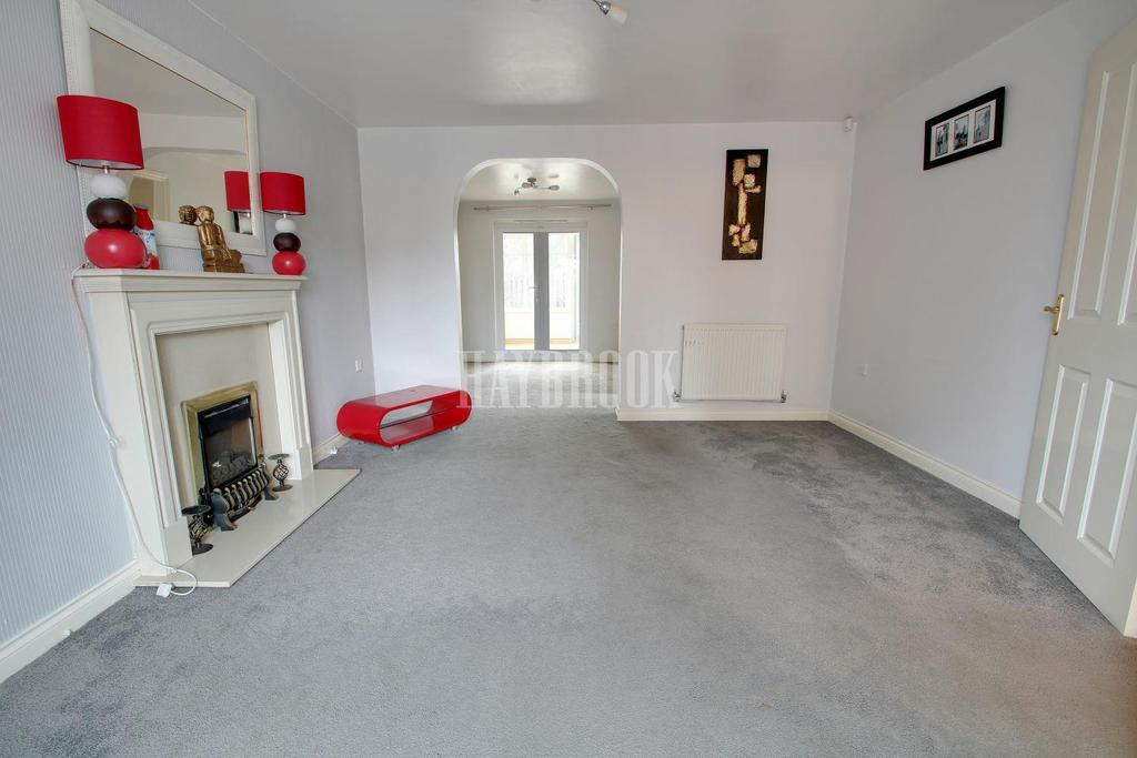 3 Bedrooms Detached House for sale in Town Lands Close, Wombwell