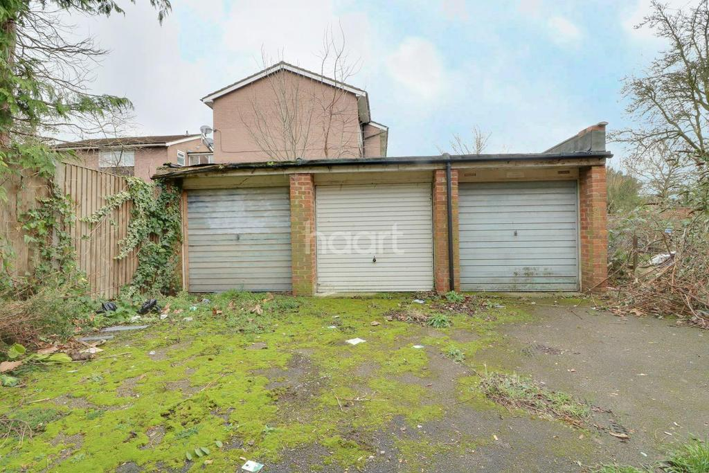 3 Bedrooms Terraced House for sale in Codling Way, Wembley