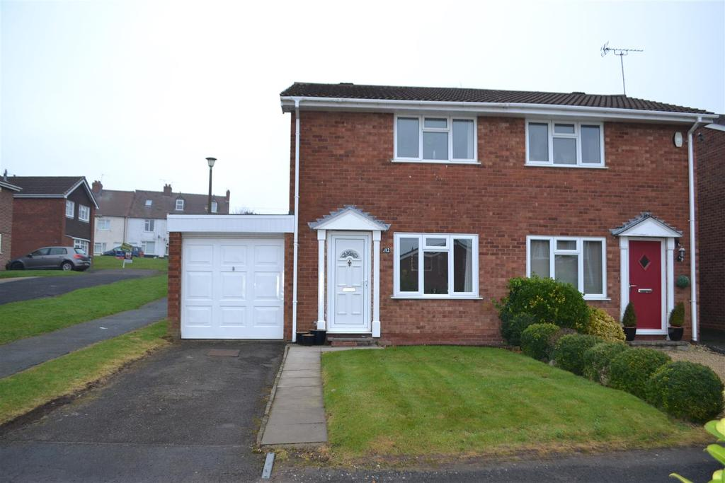 2 Bedrooms House for sale in Denbury Close, Cannock