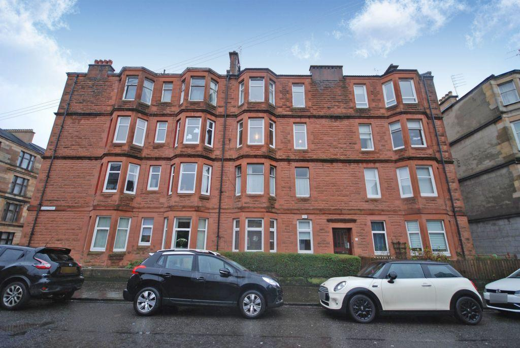 2 Bedrooms Flat for sale in 2/2, 33 Deanston Drive, Shawlands, Glasgow, G41 3AG