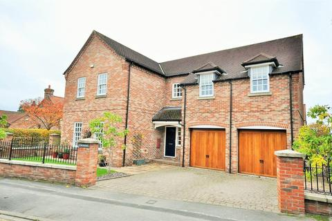 5 bedroom detached house for sale - Benedicts, 1 The Orchard, Walnut Close, Heslington, York, YO10 5DA