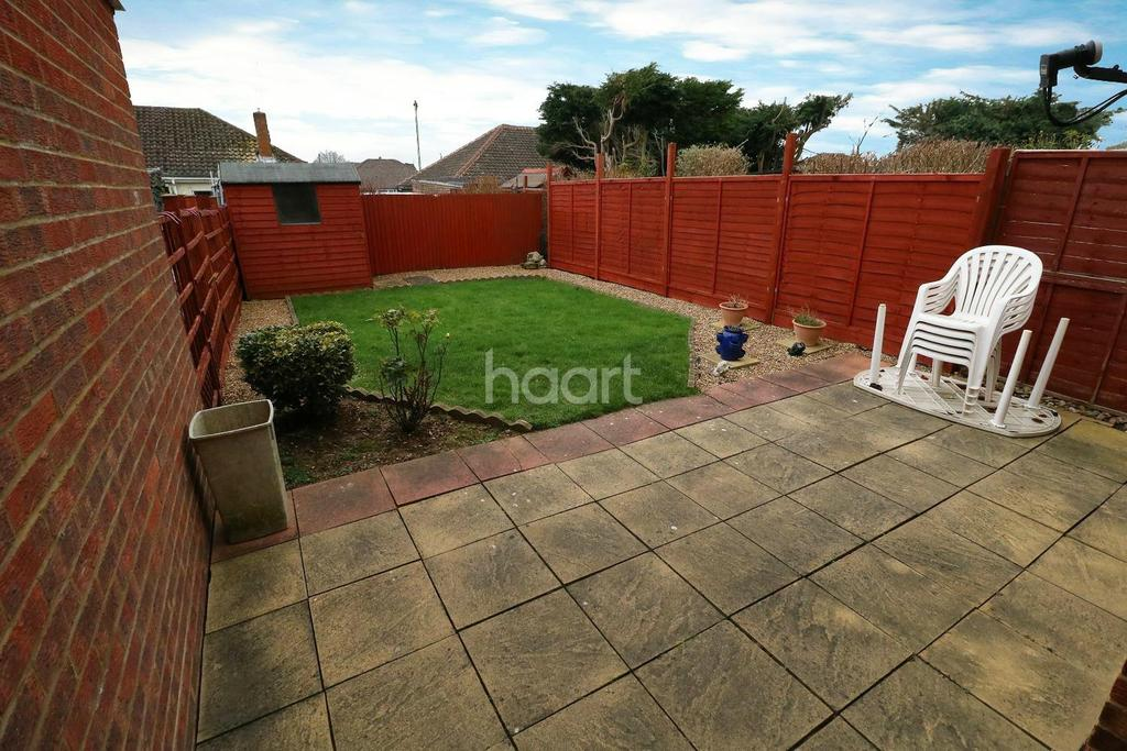3 Bedrooms Terraced House for sale in Lowestoft drive