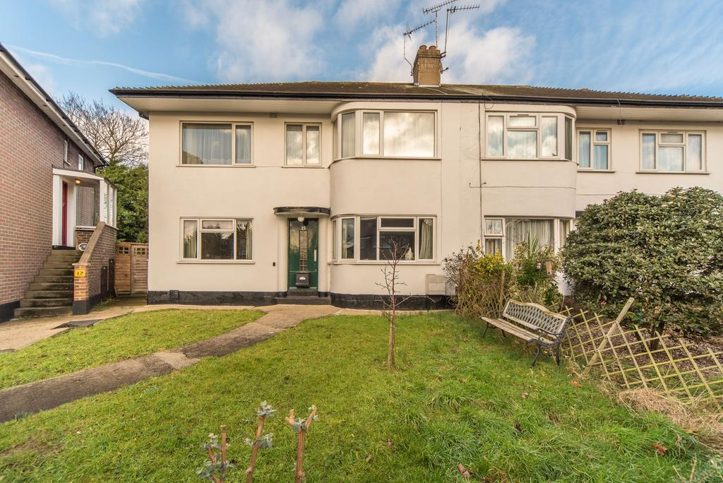 2 Bedrooms Flat for sale in Grafton Close, Ealing