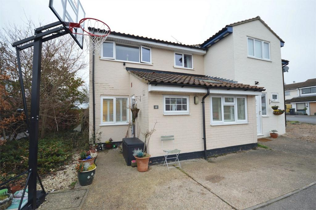 3 Bedrooms Semi Detached House for sale in 12 Pilgrim Close, Great Chesterford, Nr Saffron Walden