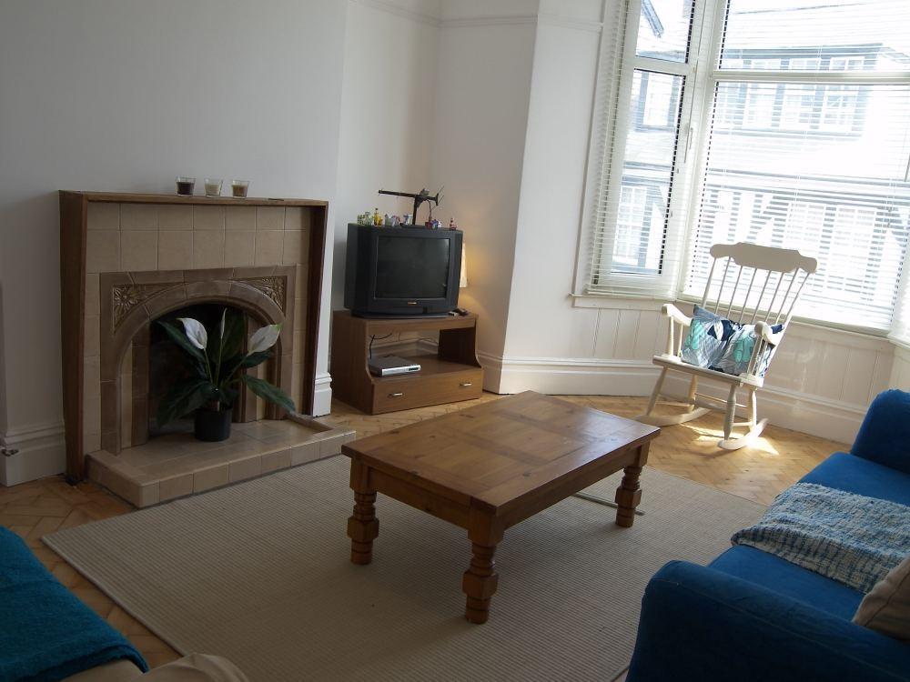 3 Bedrooms Maisonette Flat for rent in Newton Road, Mumbles, SWANSEA