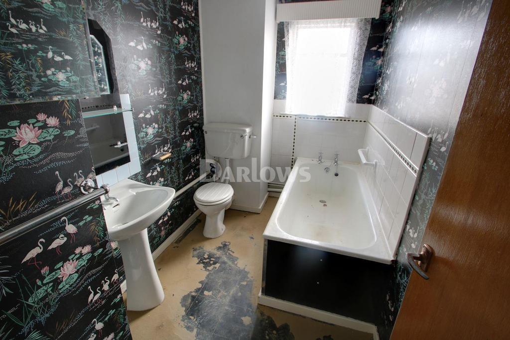 2 Bedrooms Flat for sale in Elgin Court, Cranleigh Rise, Rumney, Cardiff