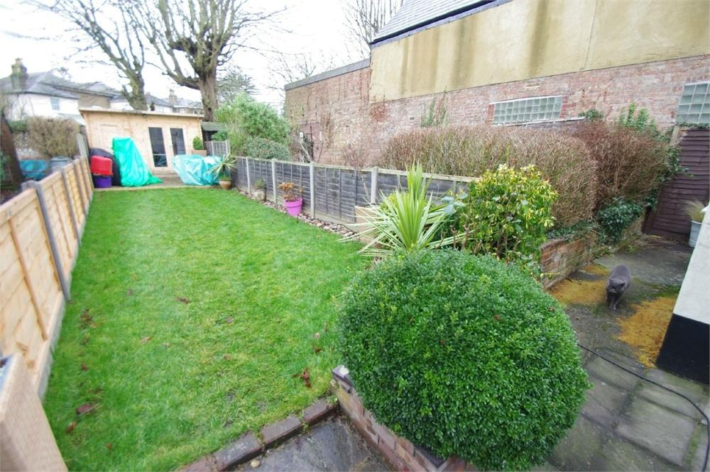 2 Bedrooms Terraced House for sale in Church Road, WATFORD, Hertfordshire