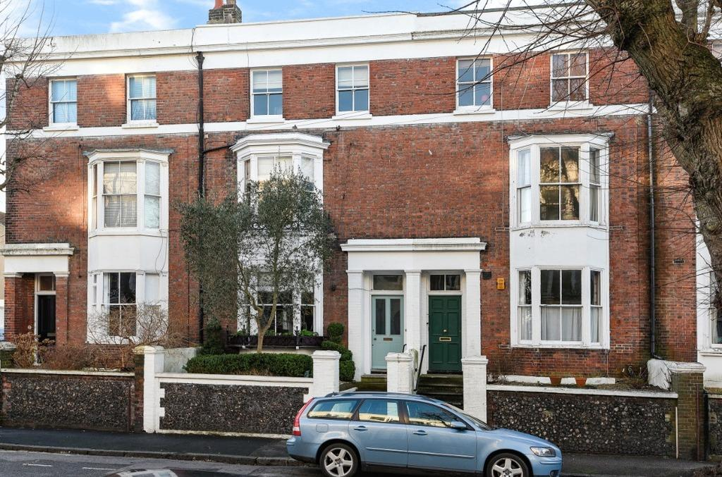 4 Bedrooms Terraced House for sale in Buckingham Road Brighton East Sussex BN1