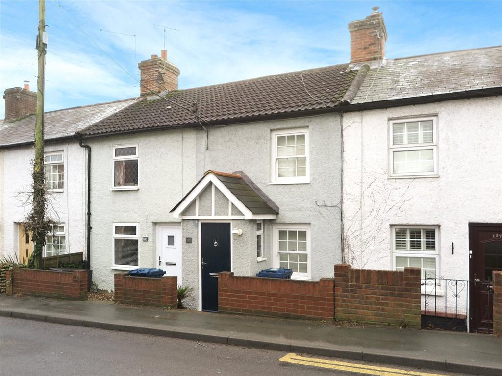 2 Bedrooms House for sale in Upper Hale Road, Farnham, Surrey, GU9