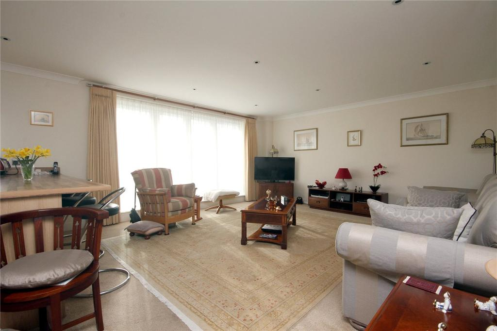 3 Bedrooms Flat for sale in Erinvale Place, 277-279 Lymington Road, Highcliffe, Dorset, BH23
