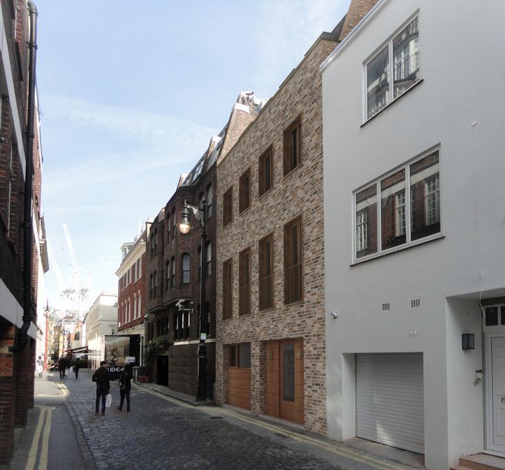 3 Bedrooms Flat for sale in Market Mews, Mayfair, London, W1J