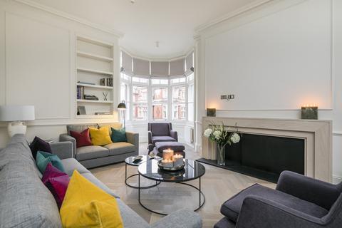 3 bedroom apartment to rent - Mount Street, Mayfair, London, W1K