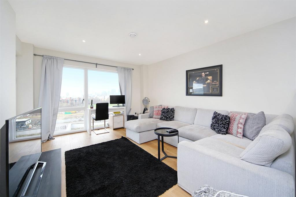 2 Bedrooms Flat for sale in Peartree Way, London, SE10