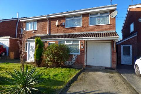 4 bedroom semi-detached house for sale - The Fairway, New Moston, Manchester, M40