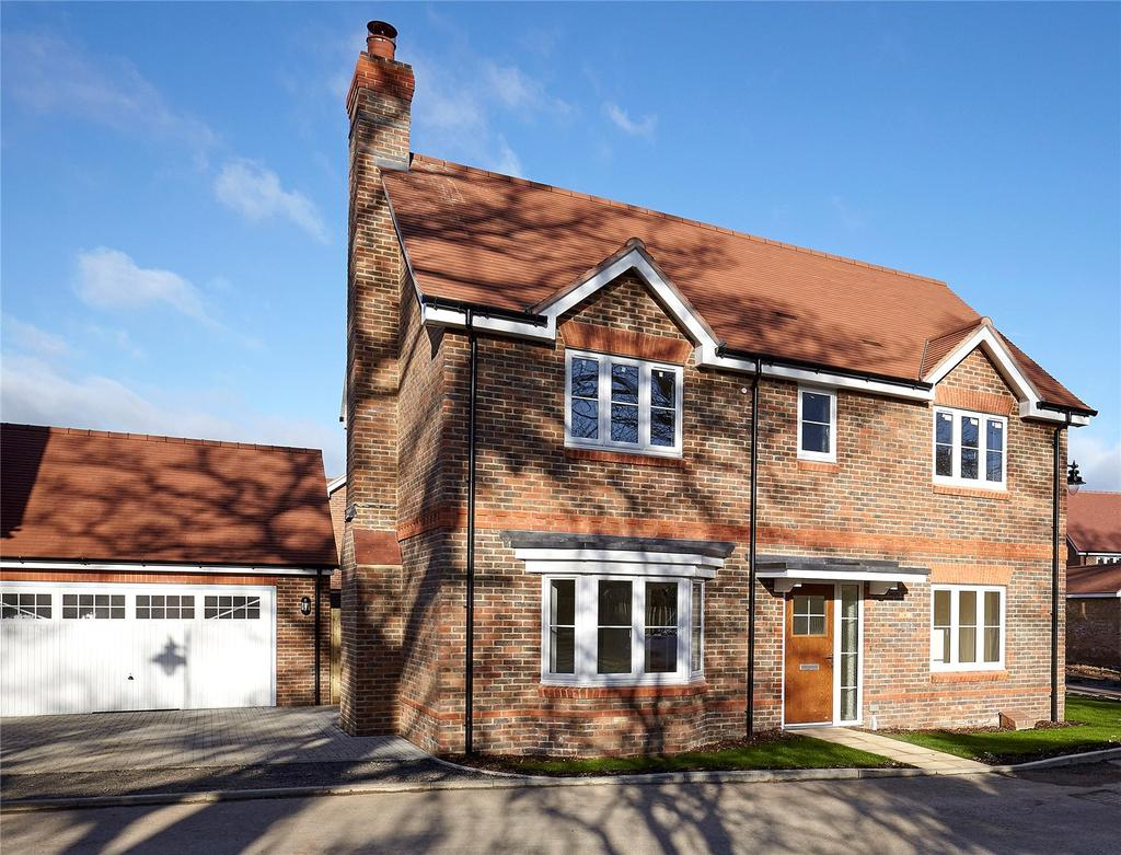 4 Bedrooms Detached House for sale in Peppard Road, Sonning Common, Reading, RG4