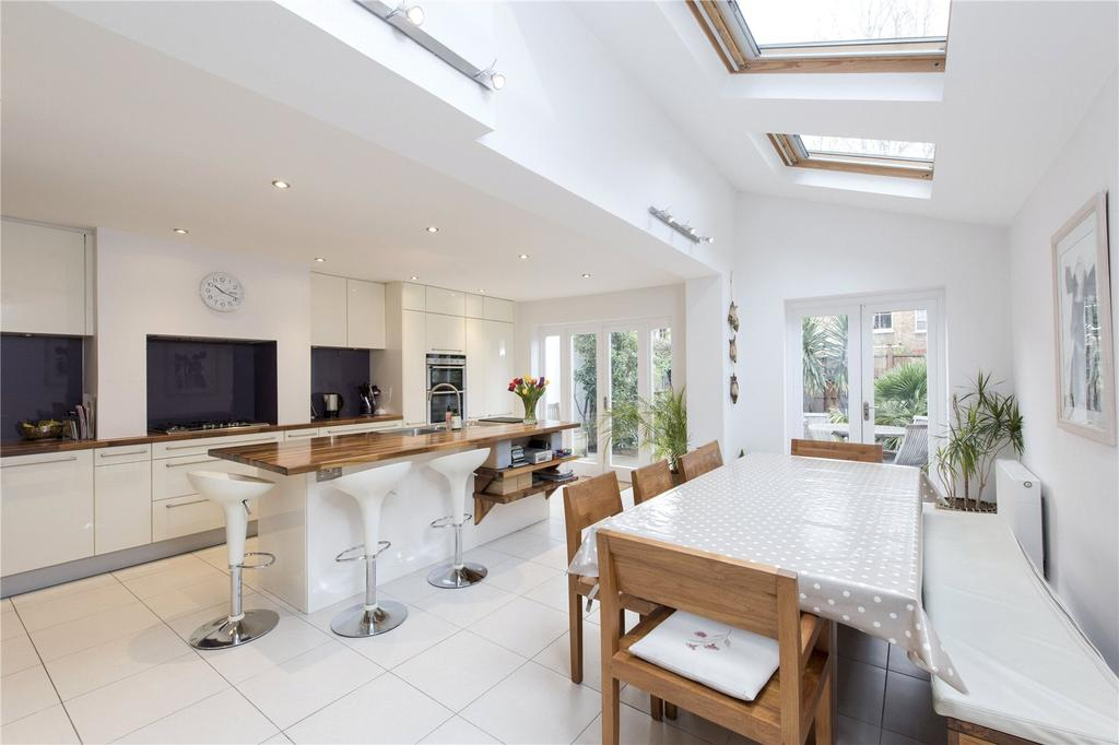 5 Bedrooms Terraced House for sale in Childebert Road, Heaver Estate, London, SW17