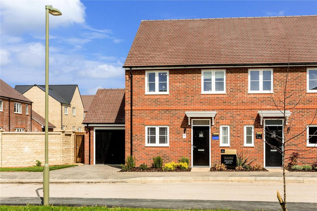 3 Bedrooms Semi Detached House for sale in The Bladon, Oakwood Gate, New Road, Bampton, Oxfordshire, OX18