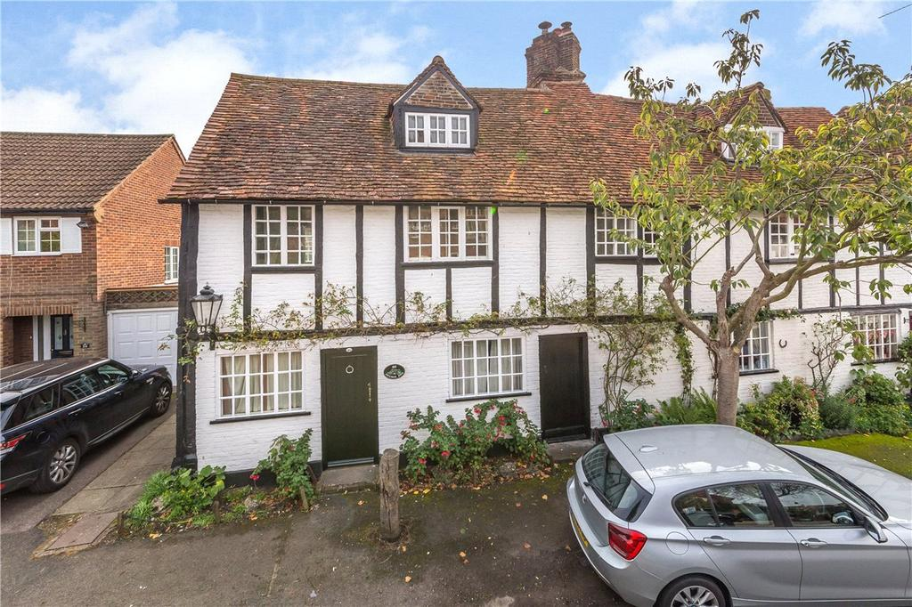 3 Bedrooms Semi Detached House for rent in Church End, Redbourn, St. Albans, Hertfordshire