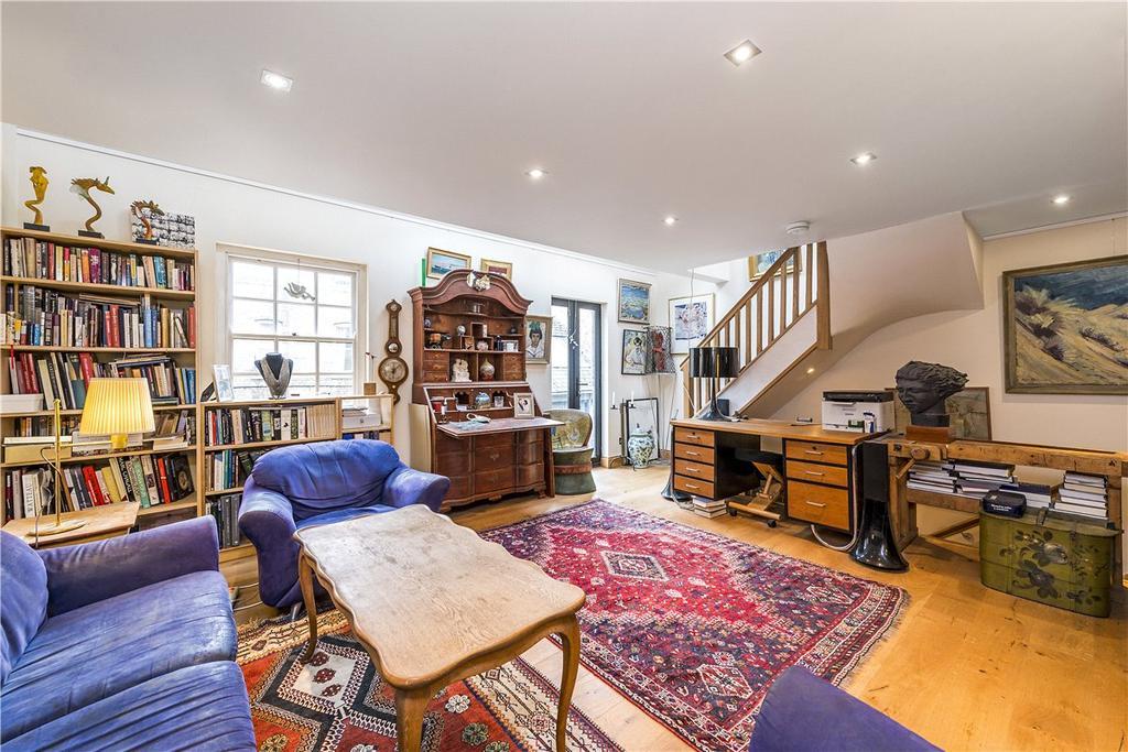 1 Bedroom Mews House for sale in White Horse Mews, 37 Westminster Bridge Road, London, SE1