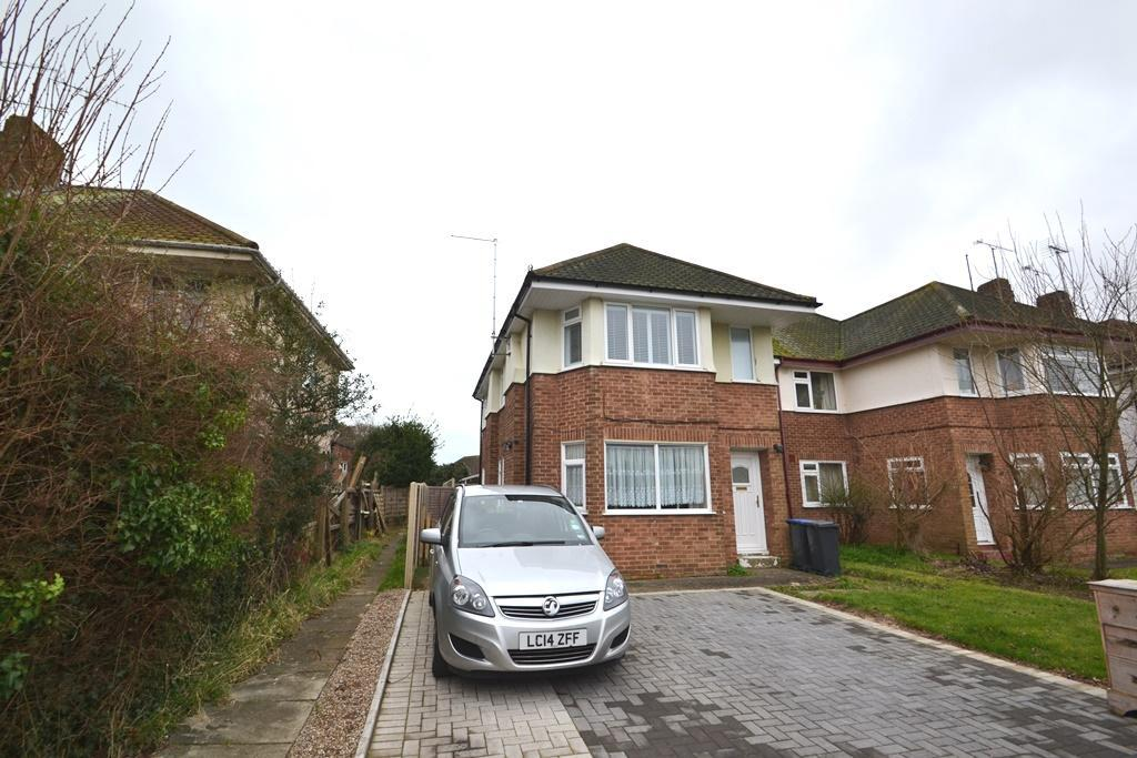 2 Bedrooms Flat for sale in Ardingly Drive, Worthing, BN12 4TN