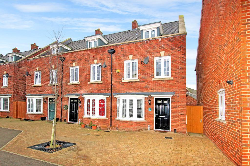 3 Bedrooms End Of Terrace House for sale in Brooklands Avenue, Wixams, Bedfordshire, MK42 6AX
