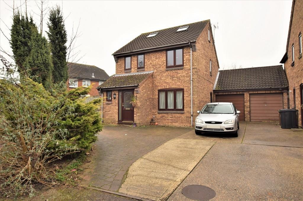 4 Bedrooms Detached House for sale in Winchester Close, Bishop's Stortford