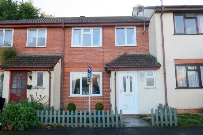 3 Bedrooms Terraced House for sale in Barrington Close, Taunton TA1