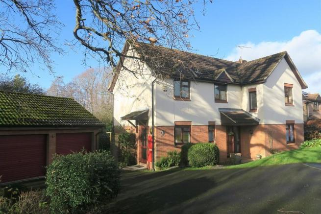 4 Bedrooms Detached House for sale in Kingsway, Taunto TA1