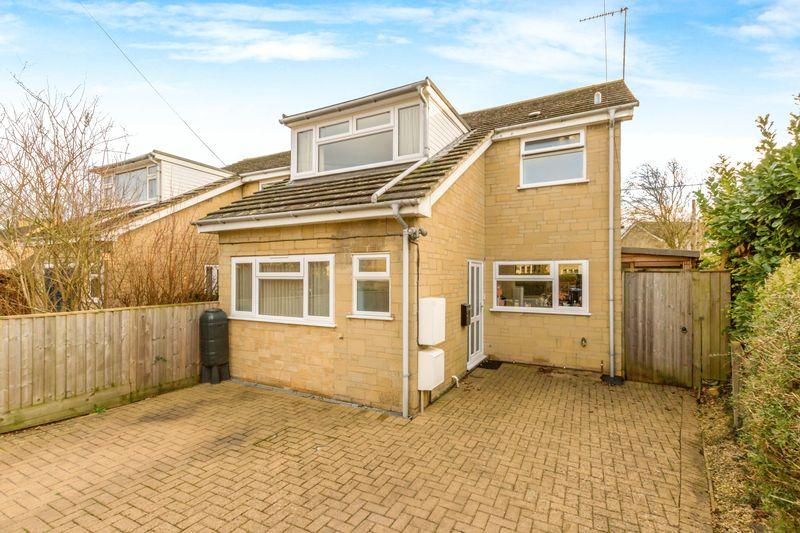 3 Bedrooms Detached House for sale in Cote Road, Aston
