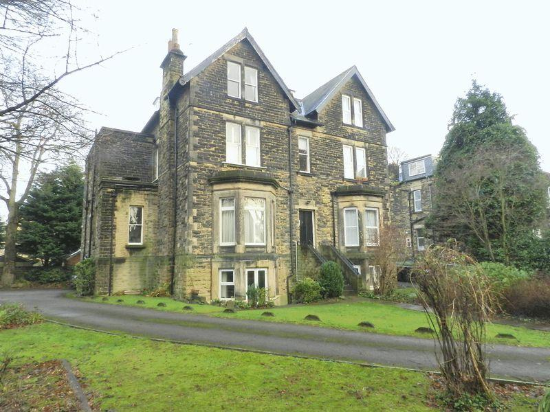1 Bedroom Apartment Flat for sale in Burton Crescent, Leeds